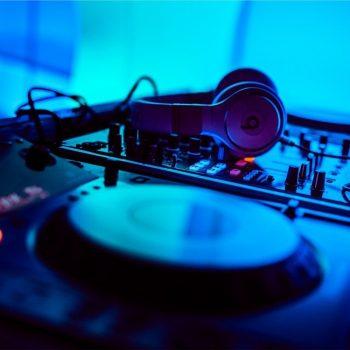 pioneer_cdj2000_dj_equipment_mixer_music_headphones_beats-745724